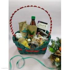 Набор подарочный в корзине новогодний с пихтовым напитком