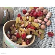 Смесь Дачная (вишня вяленая, арахис, изюм б/к, фундук) в крафт-стакане